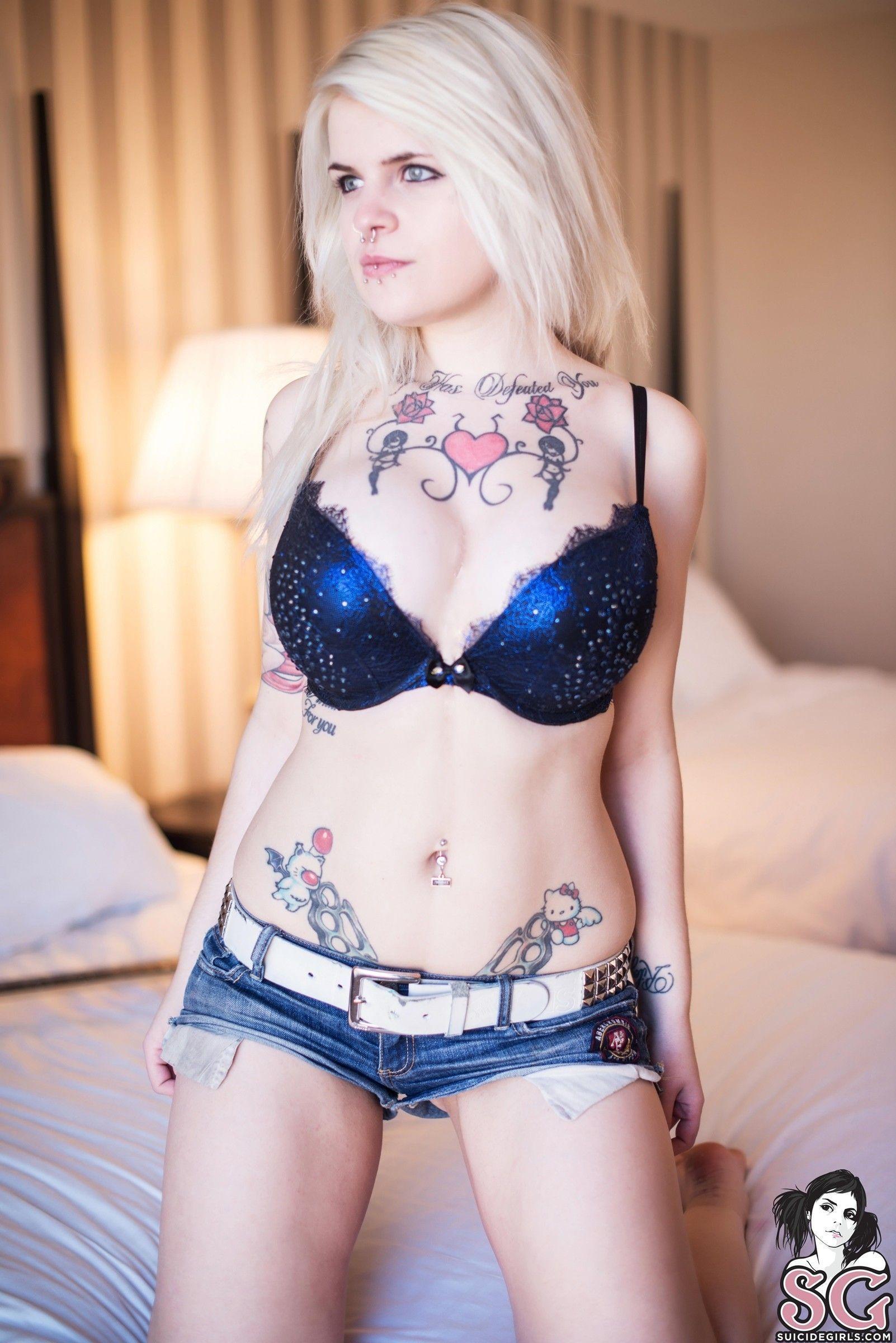 loira tatuada curte um punk rock pelada 3d09f692c023953dddf97d0d1357cdd2 - Loira tatuada curte um punk rock pelada