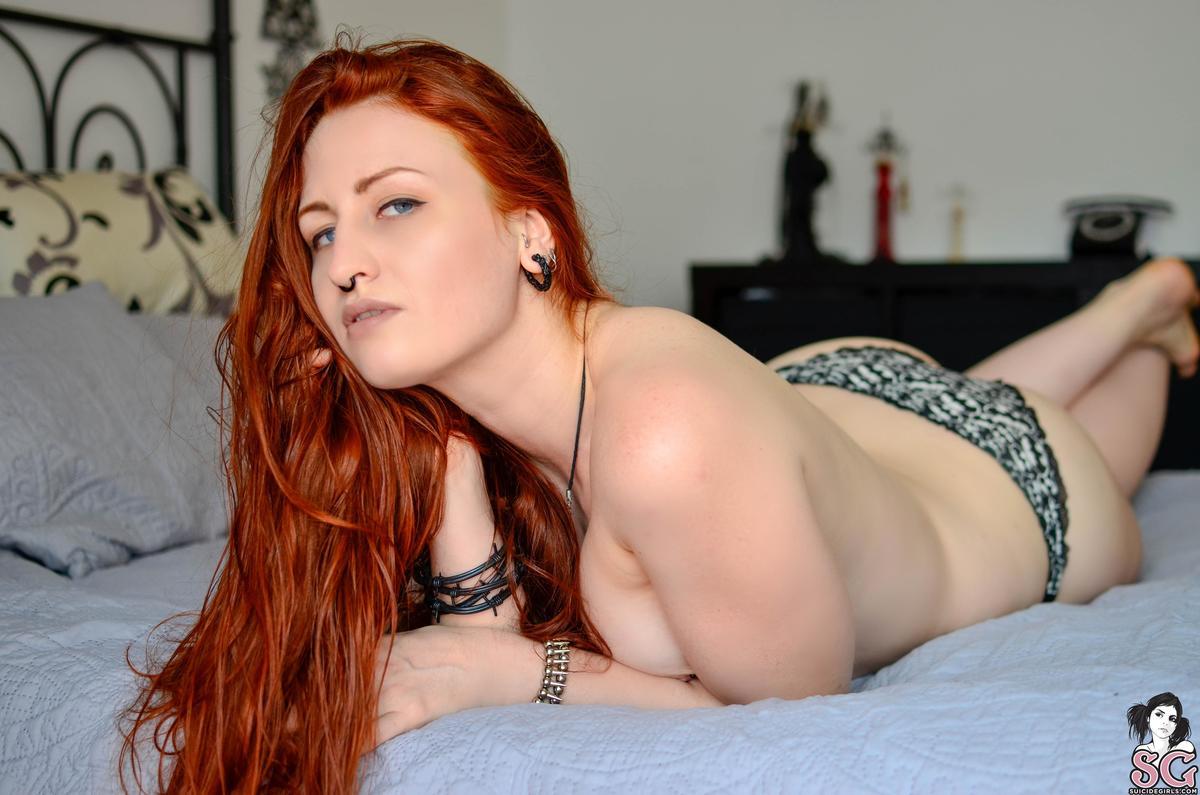 ruiva punk tira onda pelada em fotos sensuais 62b38849ea048c3557423ef6cb796060 - Ruiva punk tira onda pelada em fotos sensuais