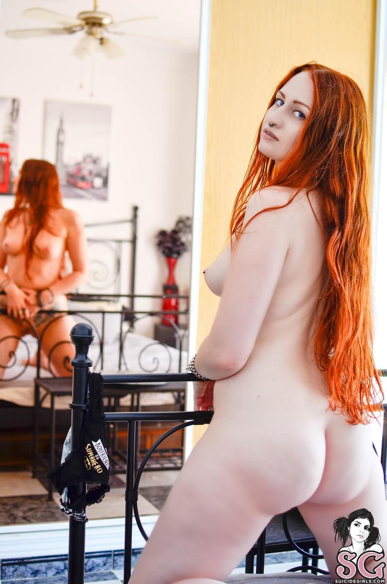 ruiva punk tira onda pelada em fotos sensuais 999227c39f3eb0bbe62fd96de56da603 - Ruiva punk tira onda pelada em fotos sensuais