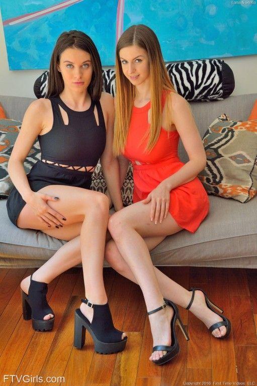duas novinhas lesbicas brincando na putaria 8987424aafa6ffbfcd9688e9f67b1728 - Duas novinhas lésbicas brincando na putaria