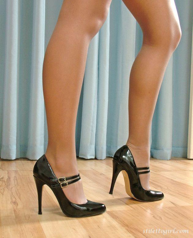 loira de vestido tirou fotos sensuais 79a3f1fcdfe3238bdc7e1078c4fd90c4 - Loira de vestido tirou fotos sensuais