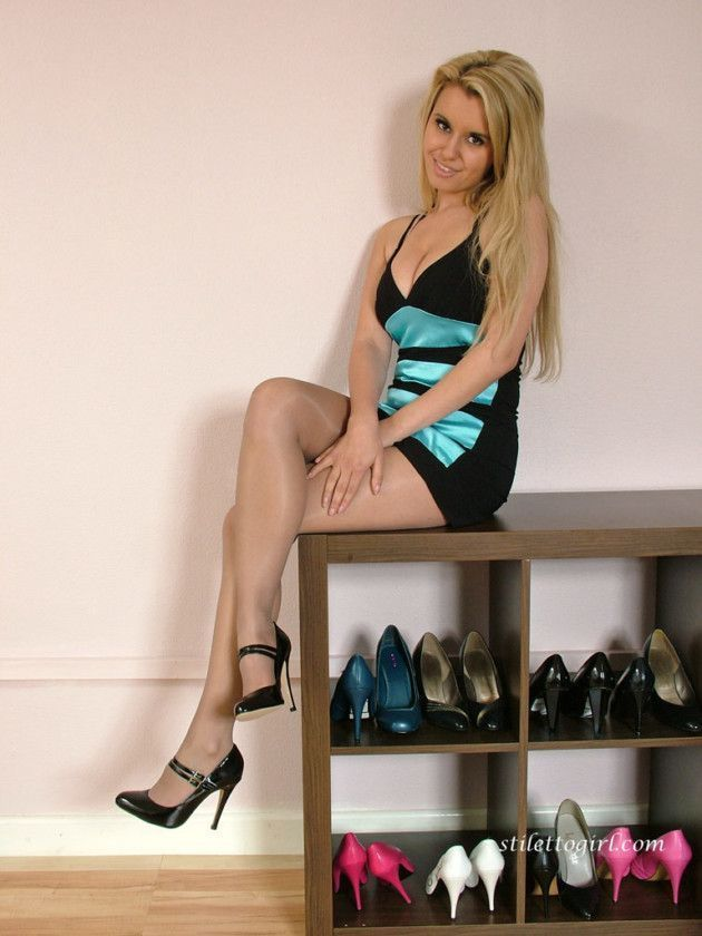loira de vestido tirou fotos sensuais fc6def0d49677456fb6b9be5ad22db93 - Loira de vestido tirou fotos sensuais