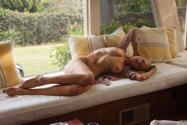 novinha patricinha sensualizou em fotos nua 8ce0dd11680e131cda62616fe048c406 - Novinha patricinha sensualizou em fotos nua