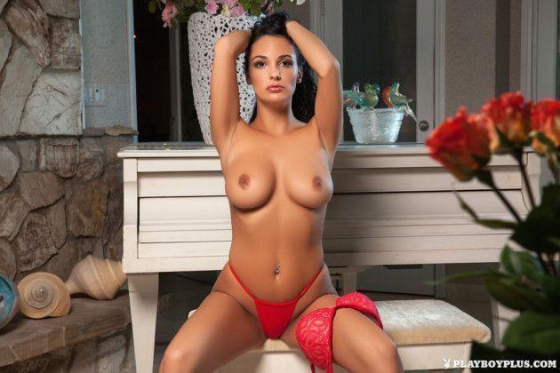 fotos de morena gostosa nua tirando lingerie b29643a9a739156098596d6324705b22 - Fotos de morena gostosa nua tirando lingerie