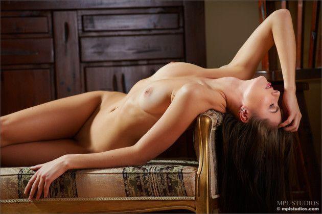 linda novinha dos peitos durinhos pelada 08808930108a6fdedd473c152d84c507 - Linda novinha dos peitos durinhos pelada