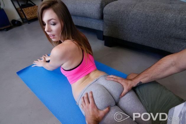 Novinha safada da academia transando com personal trainer