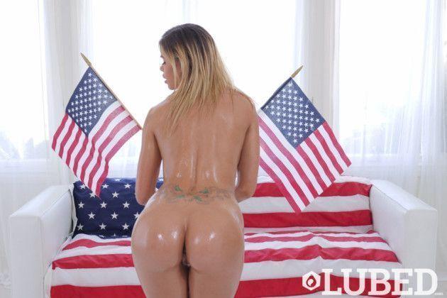 Fotos sensuais de loira peituda gostosa Americana
