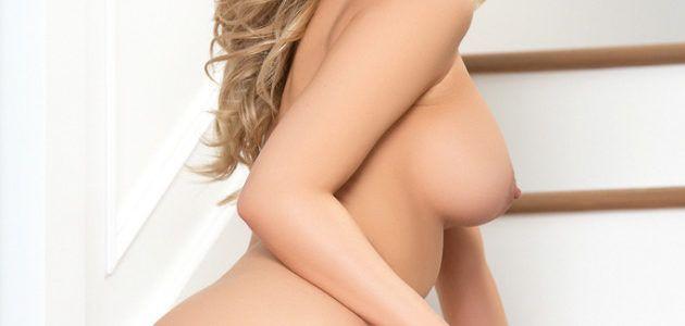 loira coroa deliciosa sensualizando pelada em fotos 527c5db90b3eb3bfe48f3d762ca9e23b - Loira coroa deliciosa sensualizando pelada em fotos