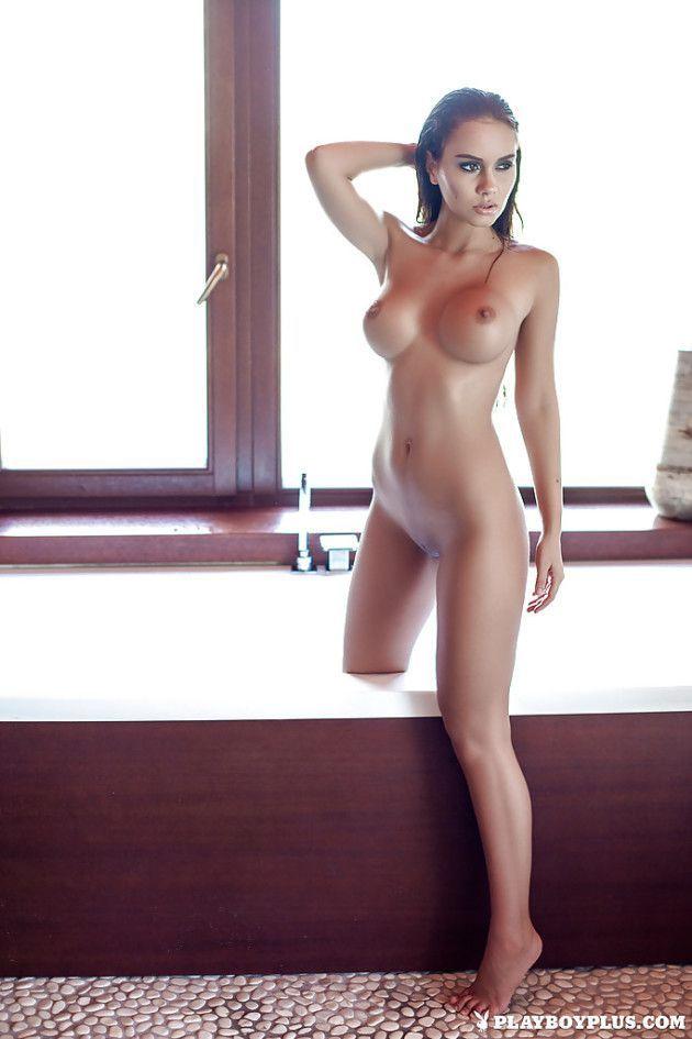 uma gata peituda exibe toda sua sensualidade nas fotos 9de5dd933aed4d658d01f674b52dbeac - Uma Gata Peituda Exibe Toda Sua Sensualidade nas Fotos