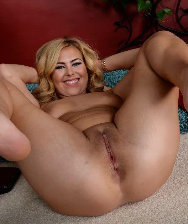 fotos de mulheres gostosas peladas exibindo suas xoxotas gostosas 18 - Fotos de mulheres gostosas peladas exibindo suas xoxotas gostosas