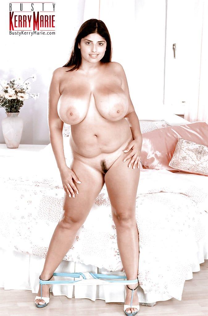 gordinha gostosa com bucetao carnudo e peitoes grandes em fotos eroticas tirando a roupa 6 - Gordinha gostosa com bucetão carnudo e peitões grandes em fotos eróticas tirando a roupa