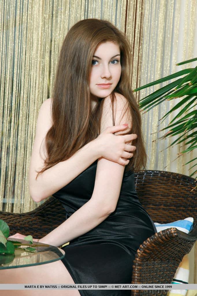 novinha branquinha peituda em fotos sensuais totalmente nua 4 - Novinha branquinha peituda em fotos sensuais totalmente nua