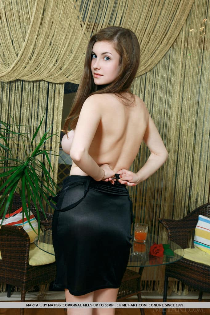 novinha branquinha peituda em fotos sensuais totalmente nua 6 - Novinha branquinha peituda em fotos sensuais totalmente nua