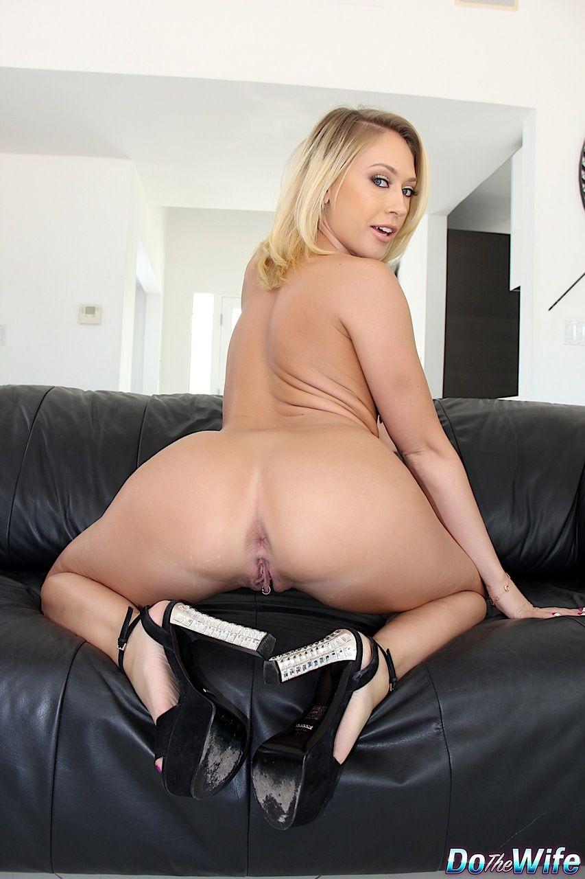 mulher pelada peituda em fotos eroticas mostrando as tetas e a buceta raspadinha 15 - Mulher pelada peituda em fotos eróticas mostrando as tetas e a buceta raspadinha