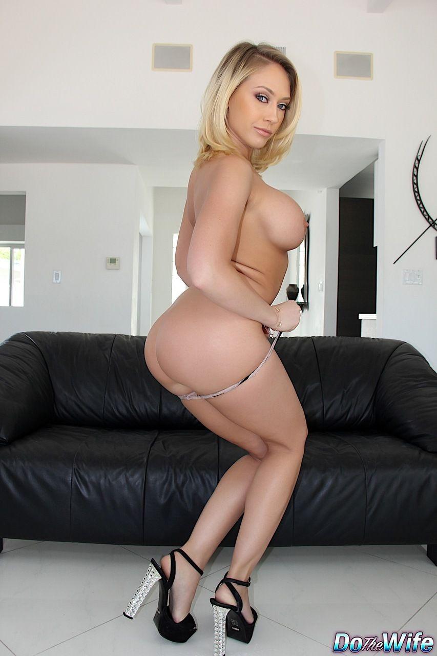 mulher pelada peituda em fotos eroticas mostrando as tetas e a buceta raspadinha 9 - Mulher pelada peituda em fotos eróticas mostrando as tetas e a buceta raspadinha