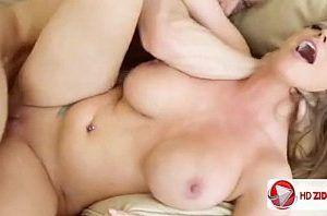 Porno cam4 com gata pelada branquinha de seios gostosos