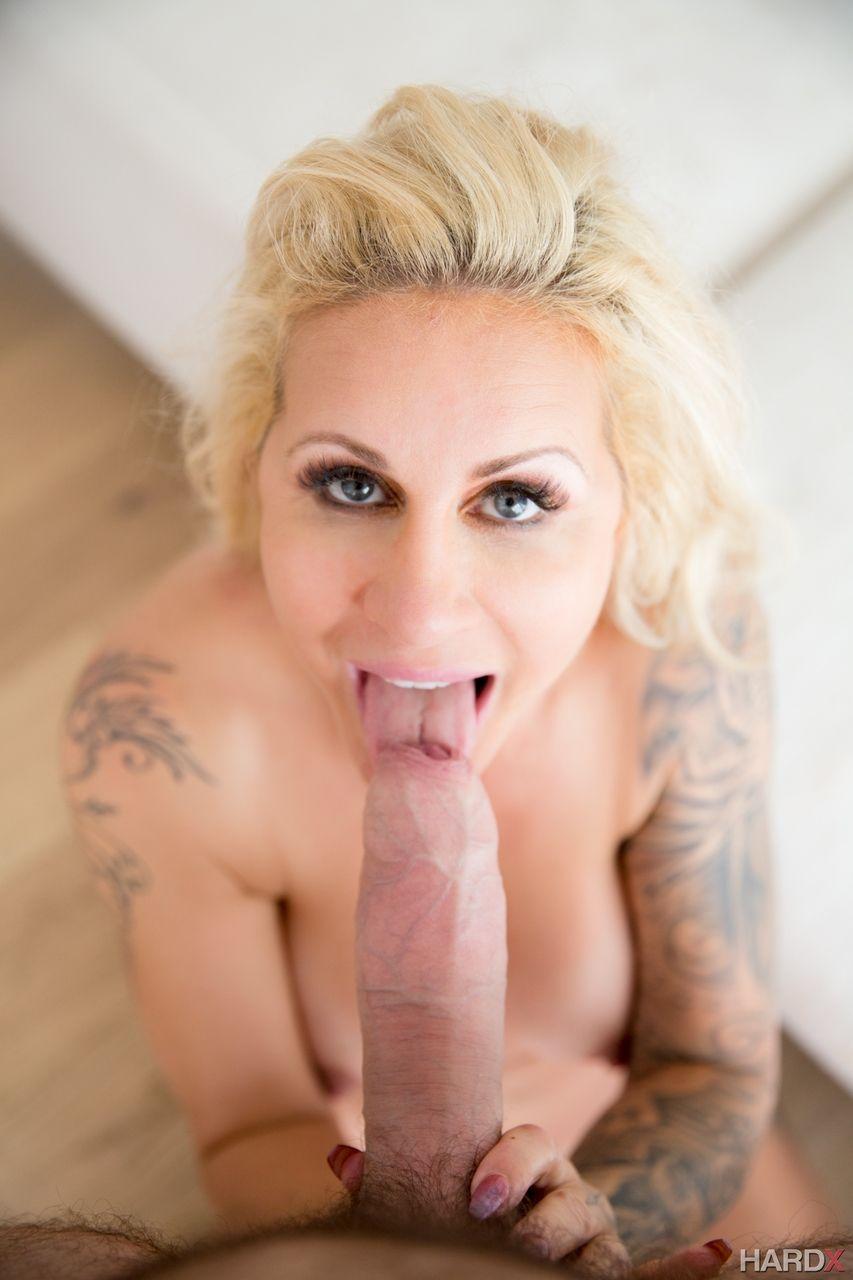 fotos de porn com loira gostosa peituda e bucetuda fazendo anal 1 - Fotos de pornô com loira gostosa peituda e bucetuda fazendo anal