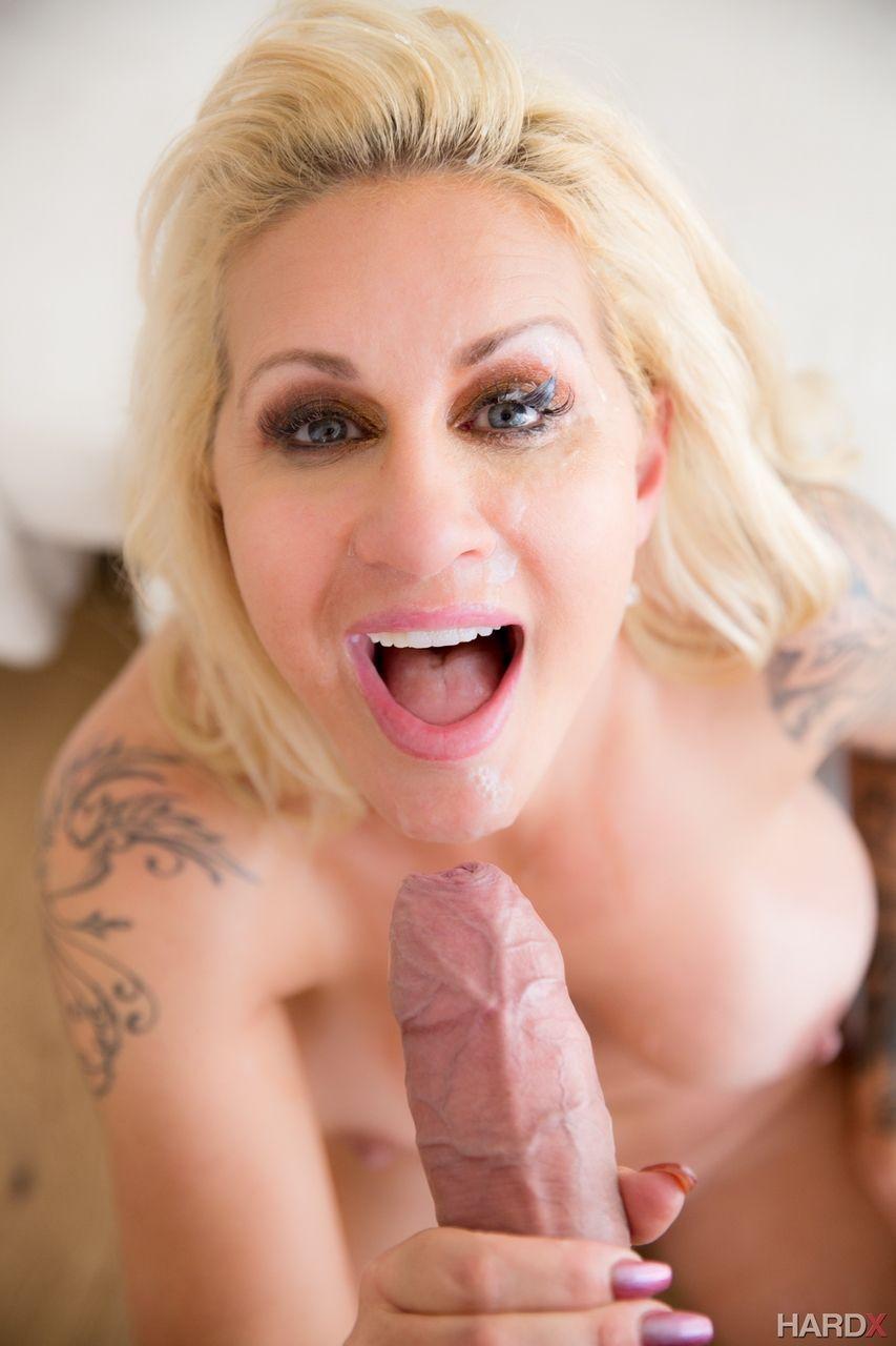 fotos de porn com loira gostosa peituda e bucetuda fazendo anal 14 - Fotos de pornô com loira gostosa peituda e bucetuda fazendo anal