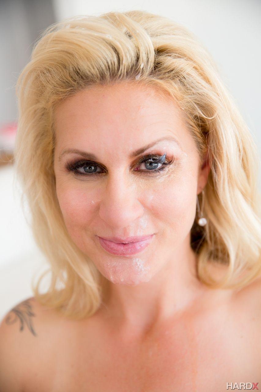 fotos de porn com loira gostosa peituda e bucetuda fazendo anal 15 - Fotos de pornô com loira gostosa peituda e bucetuda fazendo anal