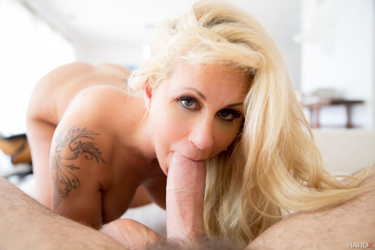 fotos de porn com loira gostosa peituda e bucetuda fazendo anal 8 - Fotos de pornô com loira gostosa peituda e bucetuda fazendo anal
