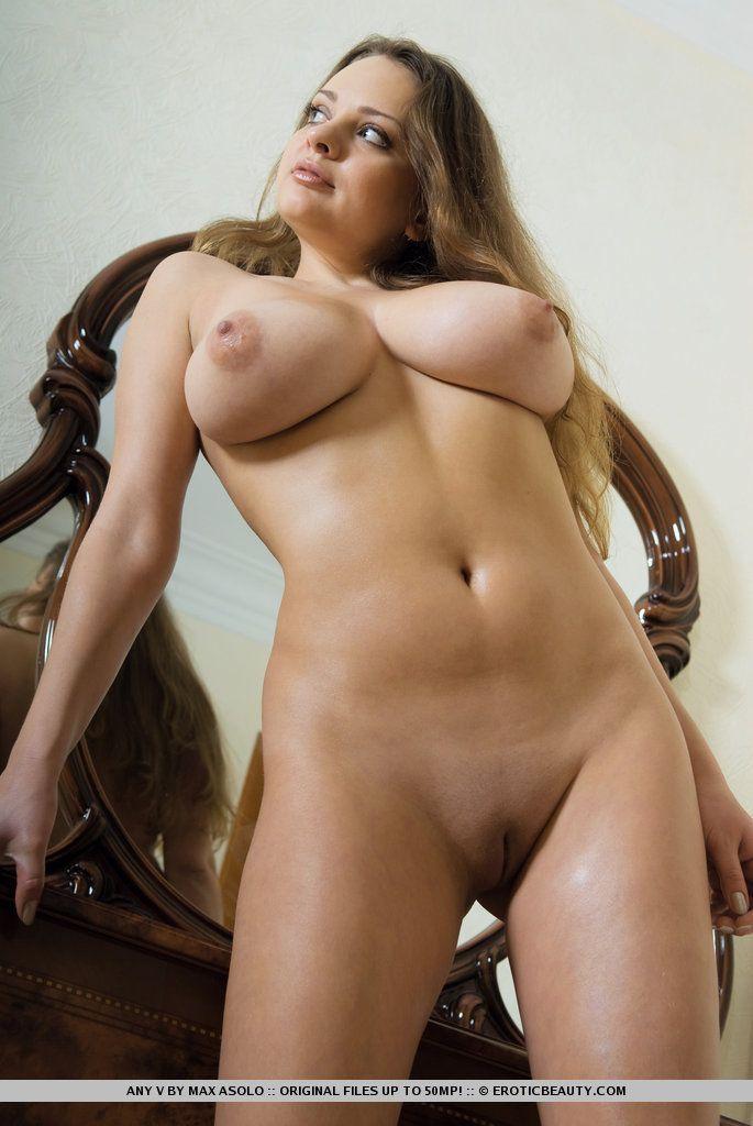 fotos picantes de peitos grandes e buceta lisinha gostosa 15 - Fotos picantes de peitos grandes e buceta lisinha gostosa