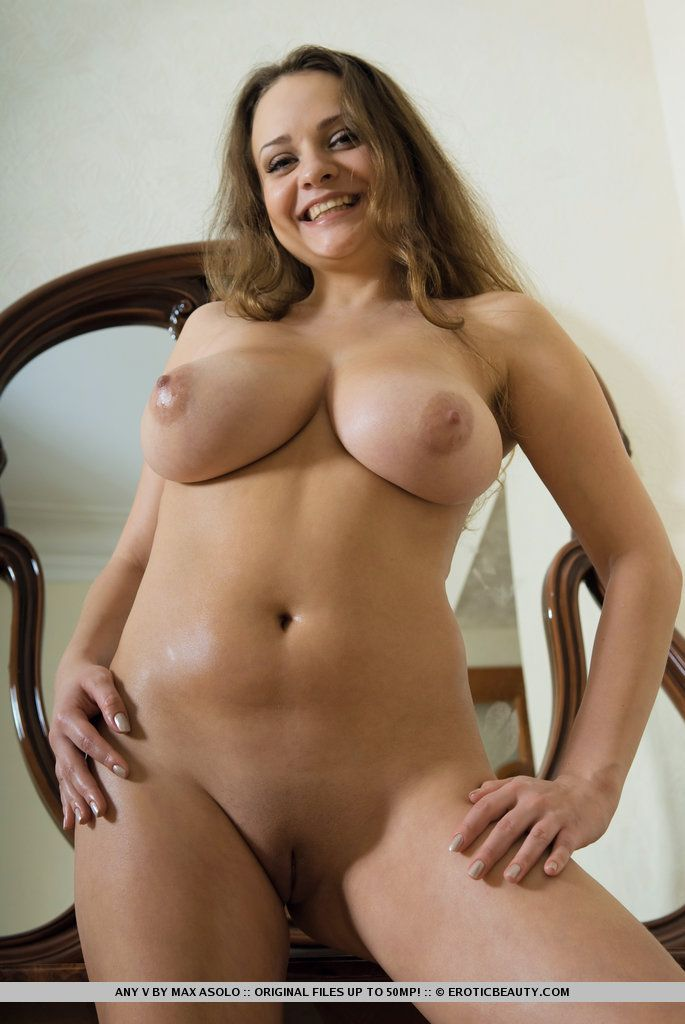 fotos picantes de peitos grandes e buceta lisinha gostosa 16 - Fotos picantes de peitos grandes e buceta lisinha gostosa