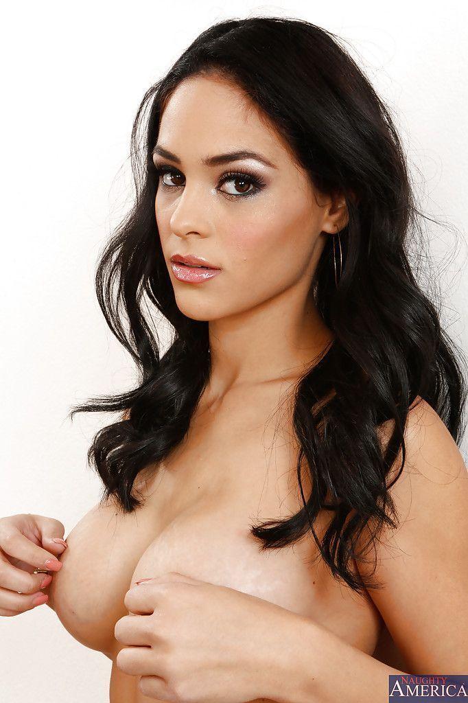 modelo porn em fotos solo se exibindo pelada 11 - Modelo pornô em fotos solo se exibindo pelada