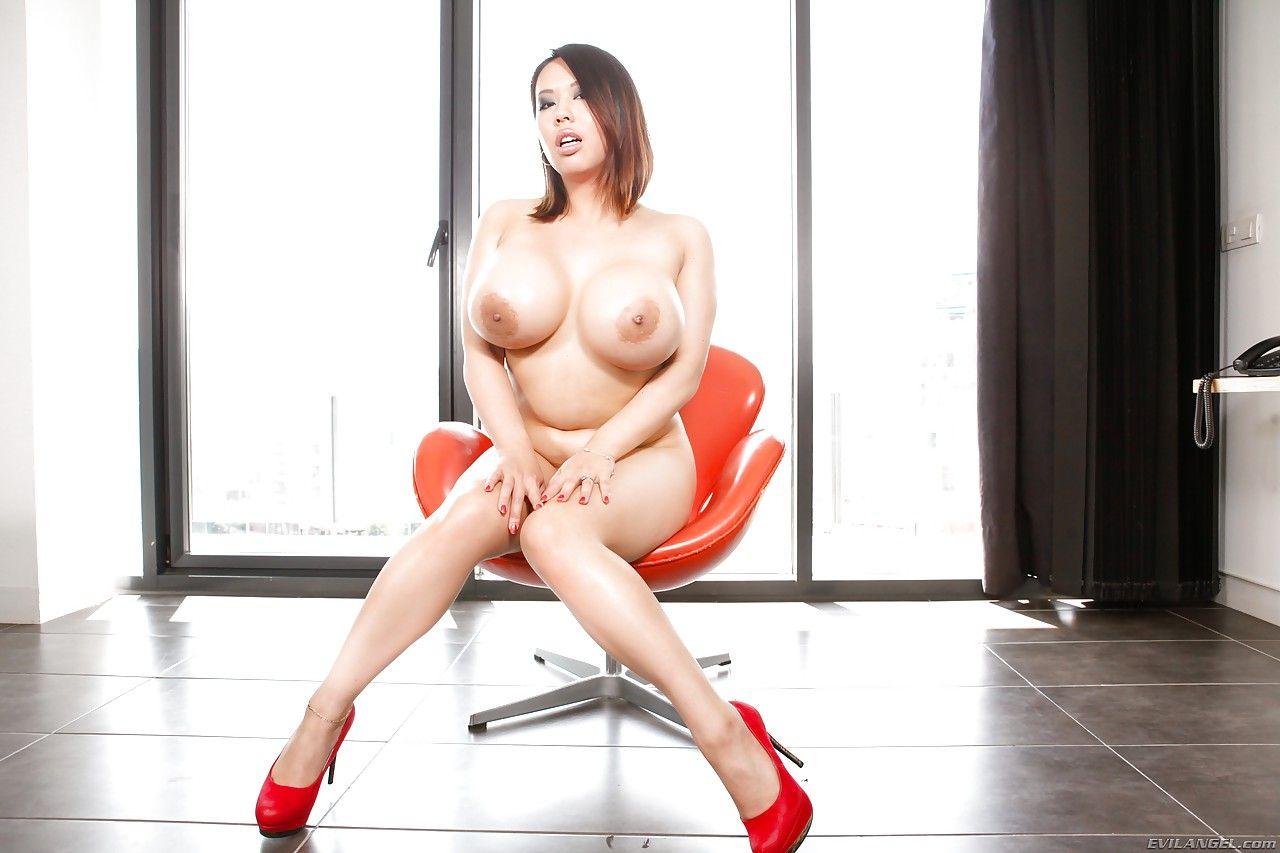 mulher asiatica gostosa com tetas grandes fazendo anal 2 - Mulher asiática gostosa com tetas grandes fazendo anal