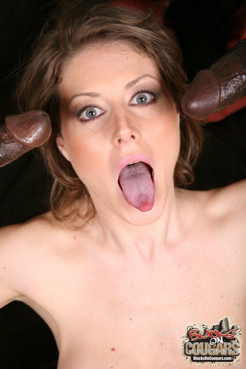 mulher casada realiza fetiche de fazer ensaio sensual com negoes 18 - Mulher casada realiza fetiche de fazer ensaio sensual com negões