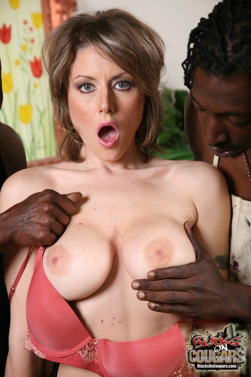 mulher casada realiza fetiche de fazer ensaio sensual com negoes 4 - Mulher casada realiza fetiche de fazer ensaio sensual com negões