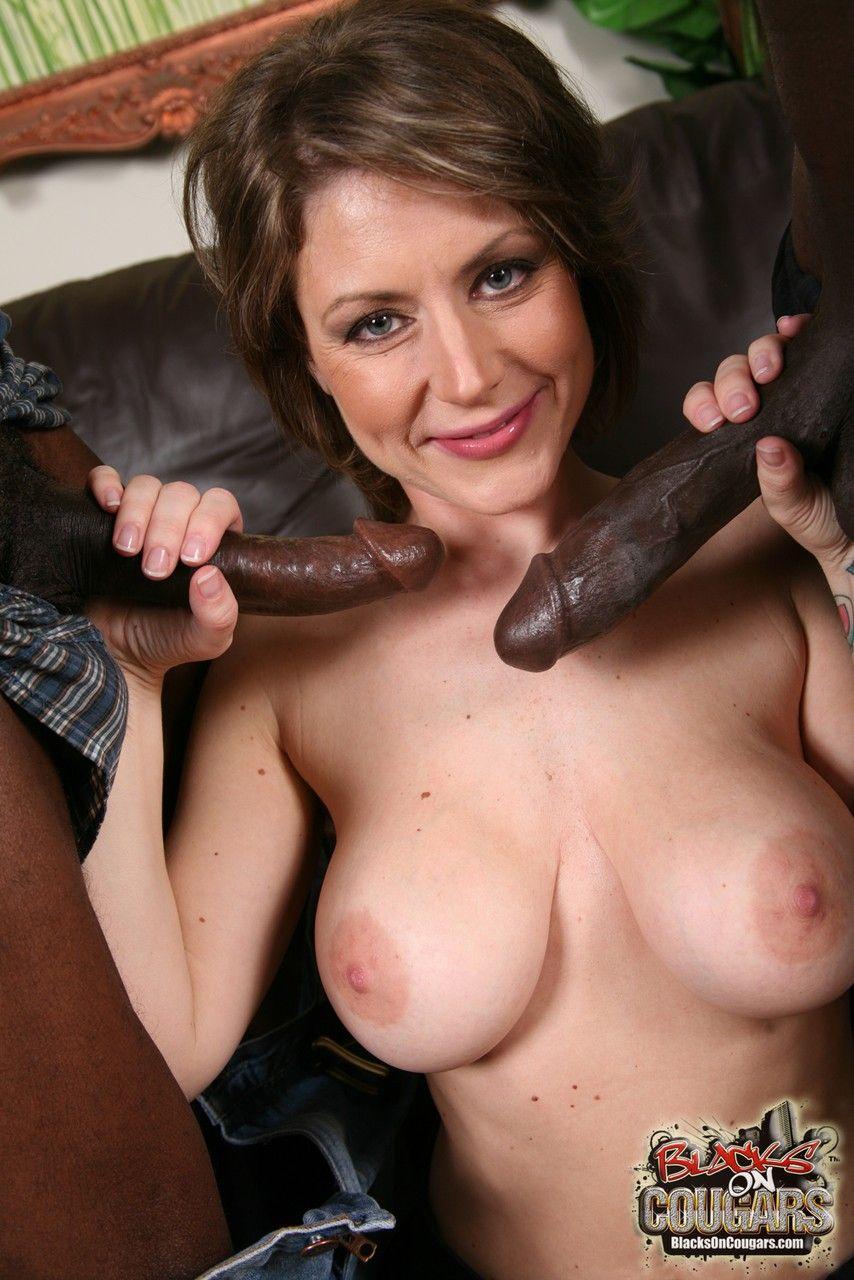 mulher casada realiza fetiche de fazer ensaio sensual com negoes 6 - Mulher casada realiza fetiche de fazer ensaio sensual com negões