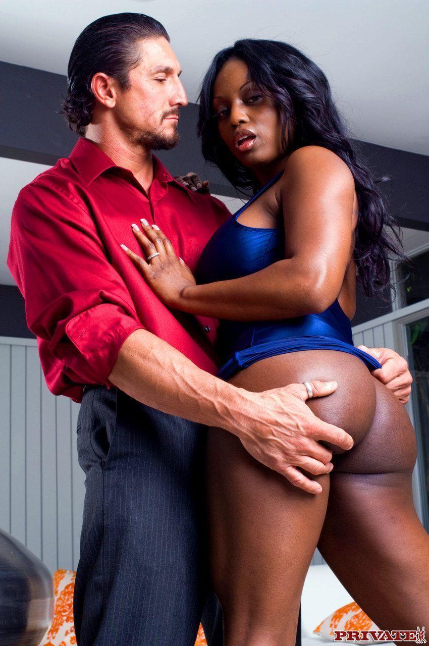 mulher negra peituda com buceta gostosa fodendo em fotos de sexo 2 - Mulher negra peituda com buceta gostosa fodendo em fotos de sexo