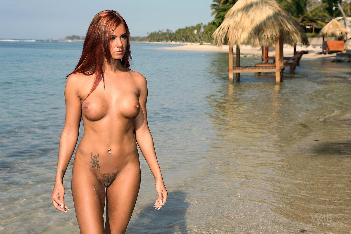 mulher nua pelada na praia em fotos eroticas 15 - Mulher nua pelada na praia em fotos eróticas