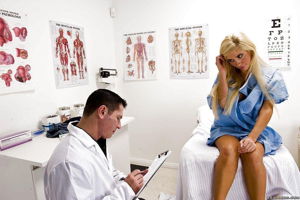 fotos eroticas paciente safada e gostosa dando pro medico 1 - Fotos eróticas paciente safada e gostosa dando pro médico