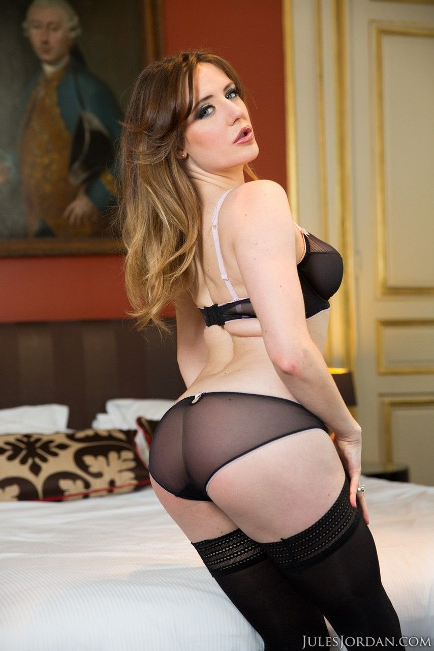 fotos quentes de sexo anal com gata branquinha de buceta cabeluda 3 - Fotos quentes de sexo anal com gata branquinha de buceta cabeluda
