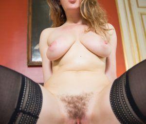 Fotos quentes de sexo anal com gata branquinha de buceta cabeluda