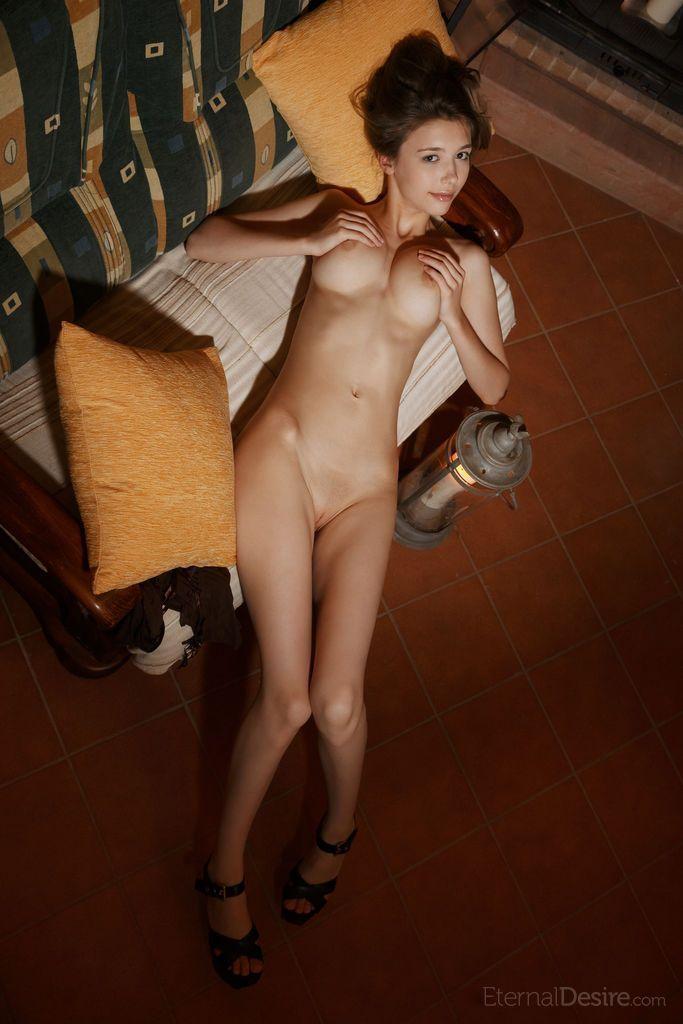 patricinha peituda toda pelada em fotos provocantes de nudez 1 - Patricinha peituda toda pelada em fotos provocantes de nudez