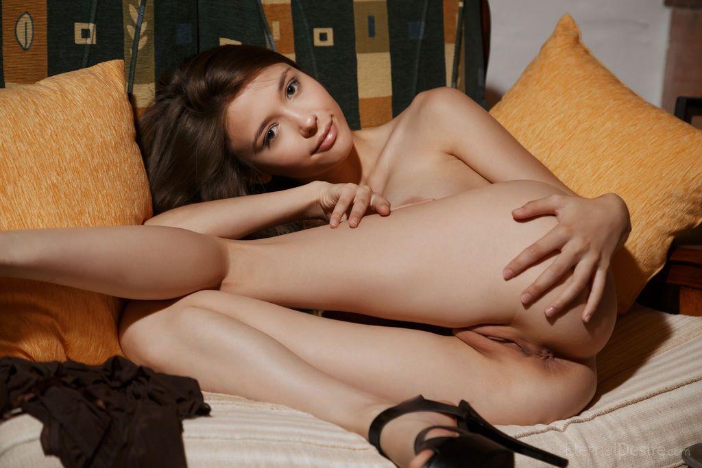 patricinha peituda toda pelada em fotos provocantes de nudez 9 - Patricinha peituda toda pelada em fotos provocantes de nudez