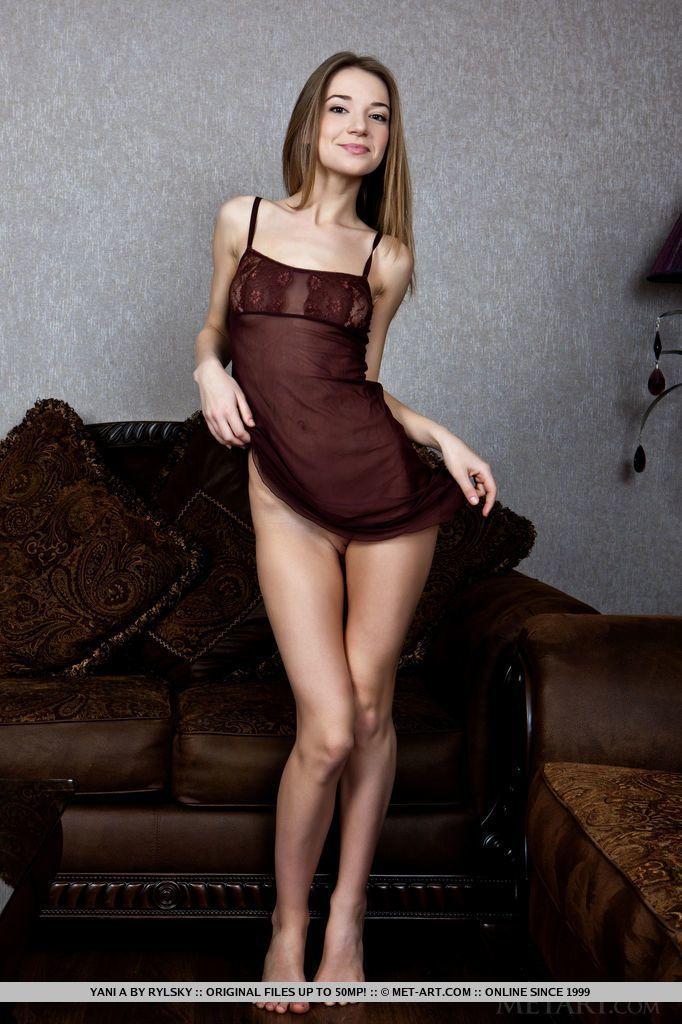 fotos de magrinha sexy se exibindo pelada mostrando a bucetinha 1 - Fotos de magrinha sexy se exibindo pelada mostrando a bucetinha