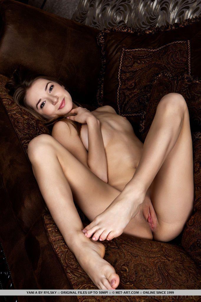 fotos de magrinha sexy se exibindo pelada mostrando a bucetinha 13 - Fotos de magrinha sexy se exibindo pelada mostrando a bucetinha