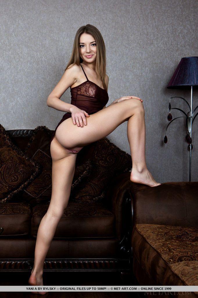 fotos de magrinha sexy se exibindo pelada mostrando a bucetinha 2 - Fotos de magrinha sexy se exibindo pelada mostrando a bucetinha