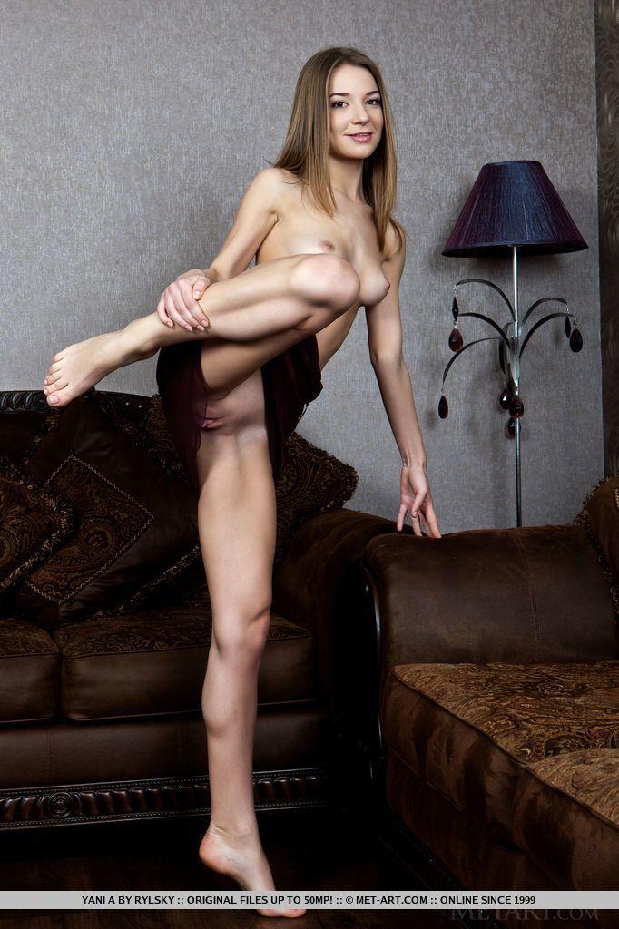 fotos de magrinha sexy se exibindo pelada mostrando a bucetinha 5 - Fotos de magrinha sexy se exibindo pelada mostrando a bucetinha