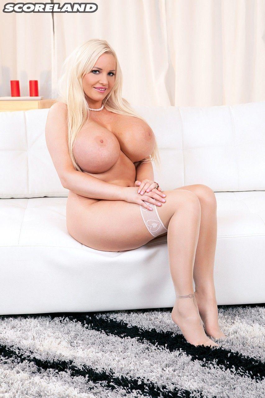 fotos de mulher cavala com peitoes grandes se masturbando 15 - Fotos de mulher cavala com peitões grandes se masturbando