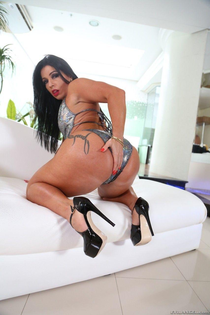 fotos videos morena rabuda perfeita no sexo anal quente 2 - Fotos vídeos morena rabuda perfeita no sexo anal quente