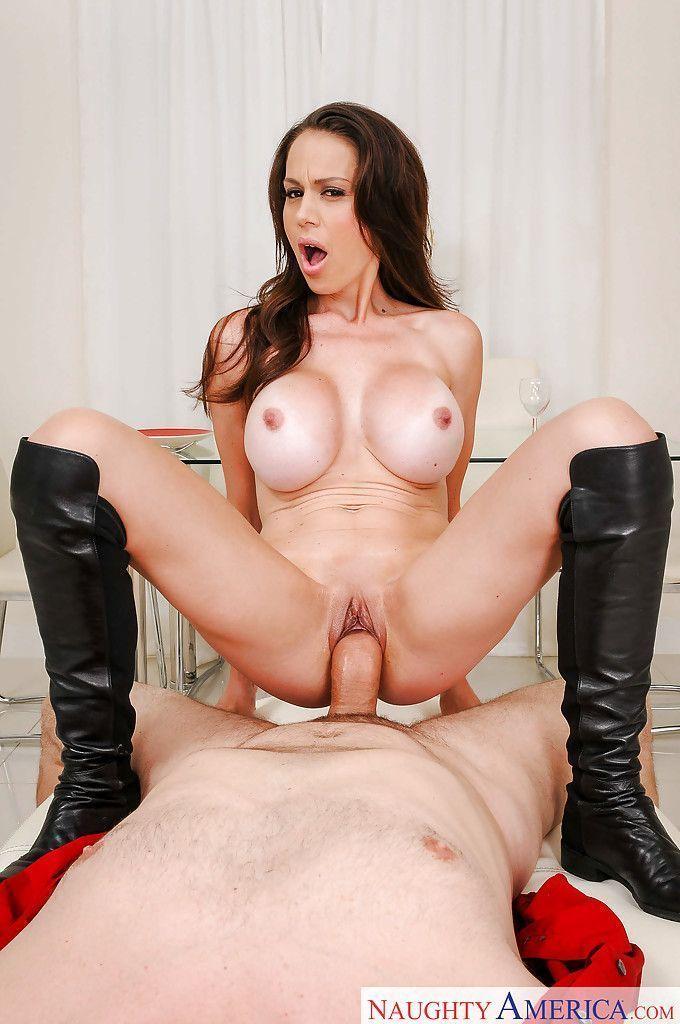 magrinha peituda em fotos de sexo anal gostoso 8 - Magrinha peituda em fotos de sexo anal gostoso