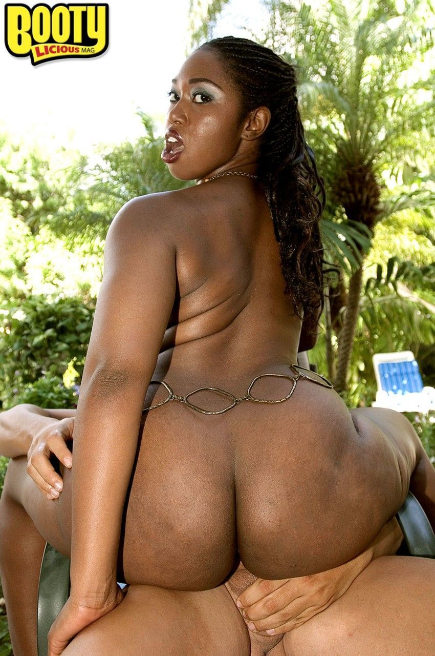 negra pelada mostrando o bundao e fodendo em fotos de sexo 12 - Negra pelada mostrando o bundão e fodendo em fotos de sexo