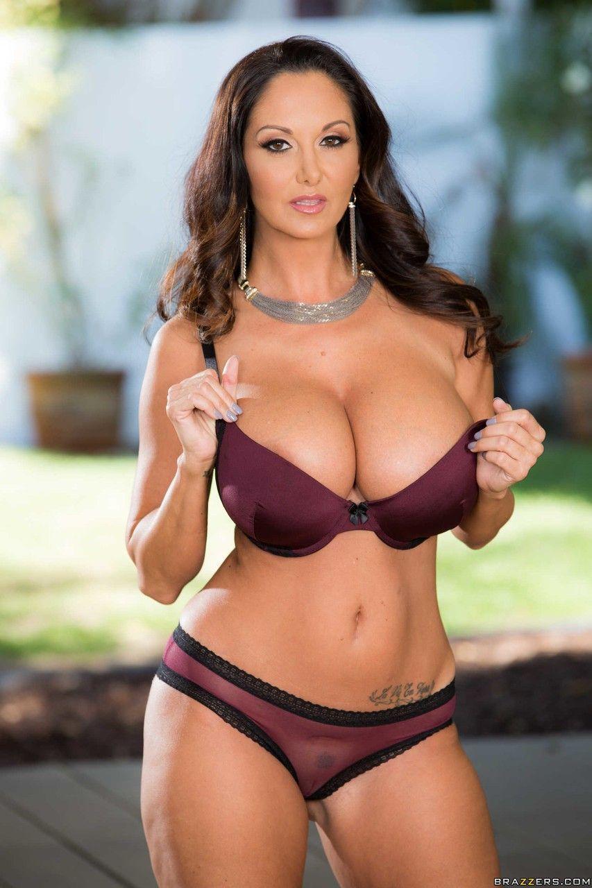 atriz porn peituda em ensaio fotografico de nudez 11 - Atriz pornô peituda em ensaio fotografico de nudez