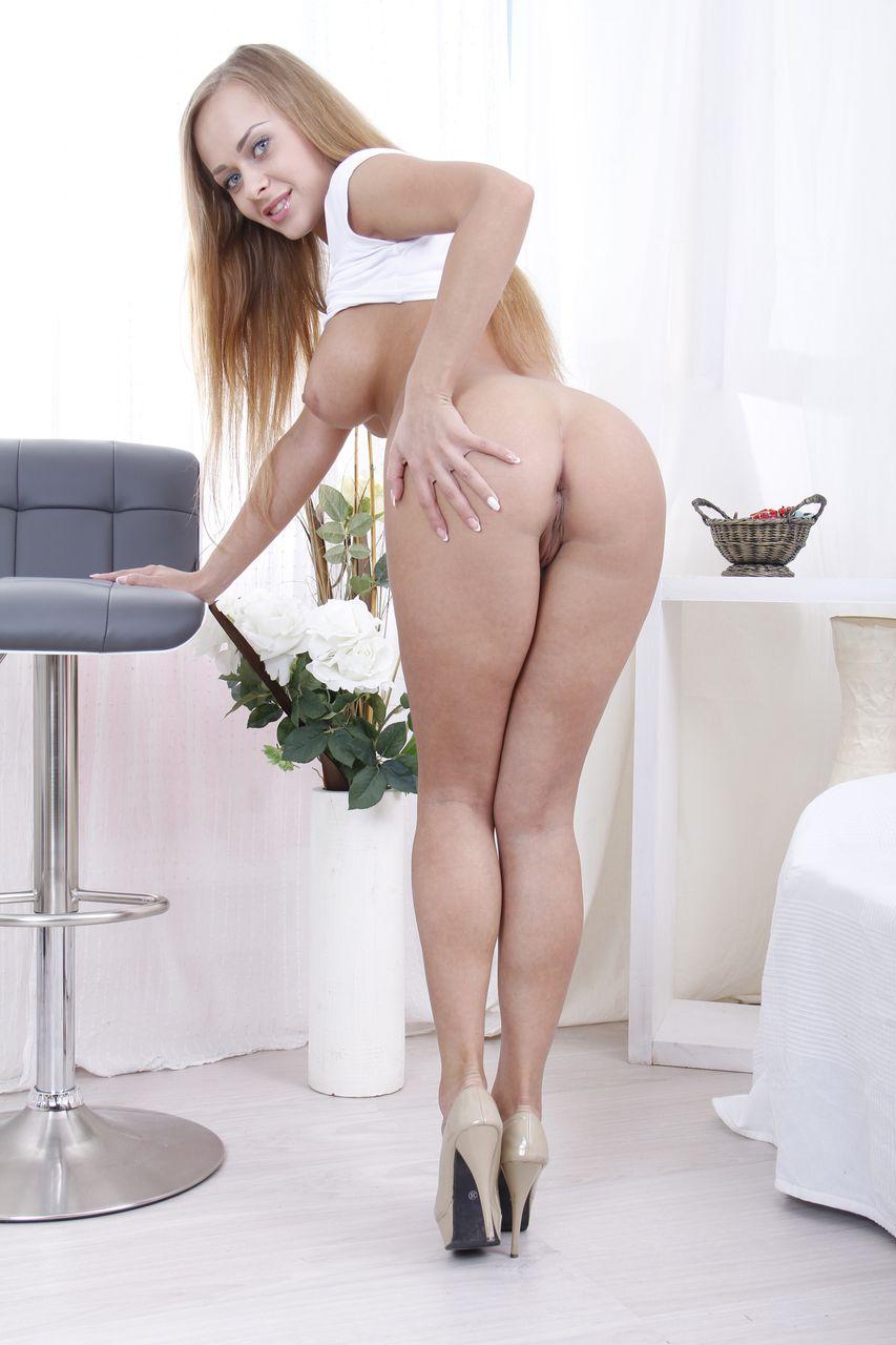 novinha peituda charmosa em fotos de anal com dotado 6 - Novinha peituda charmosa em fotos de anal com dotado