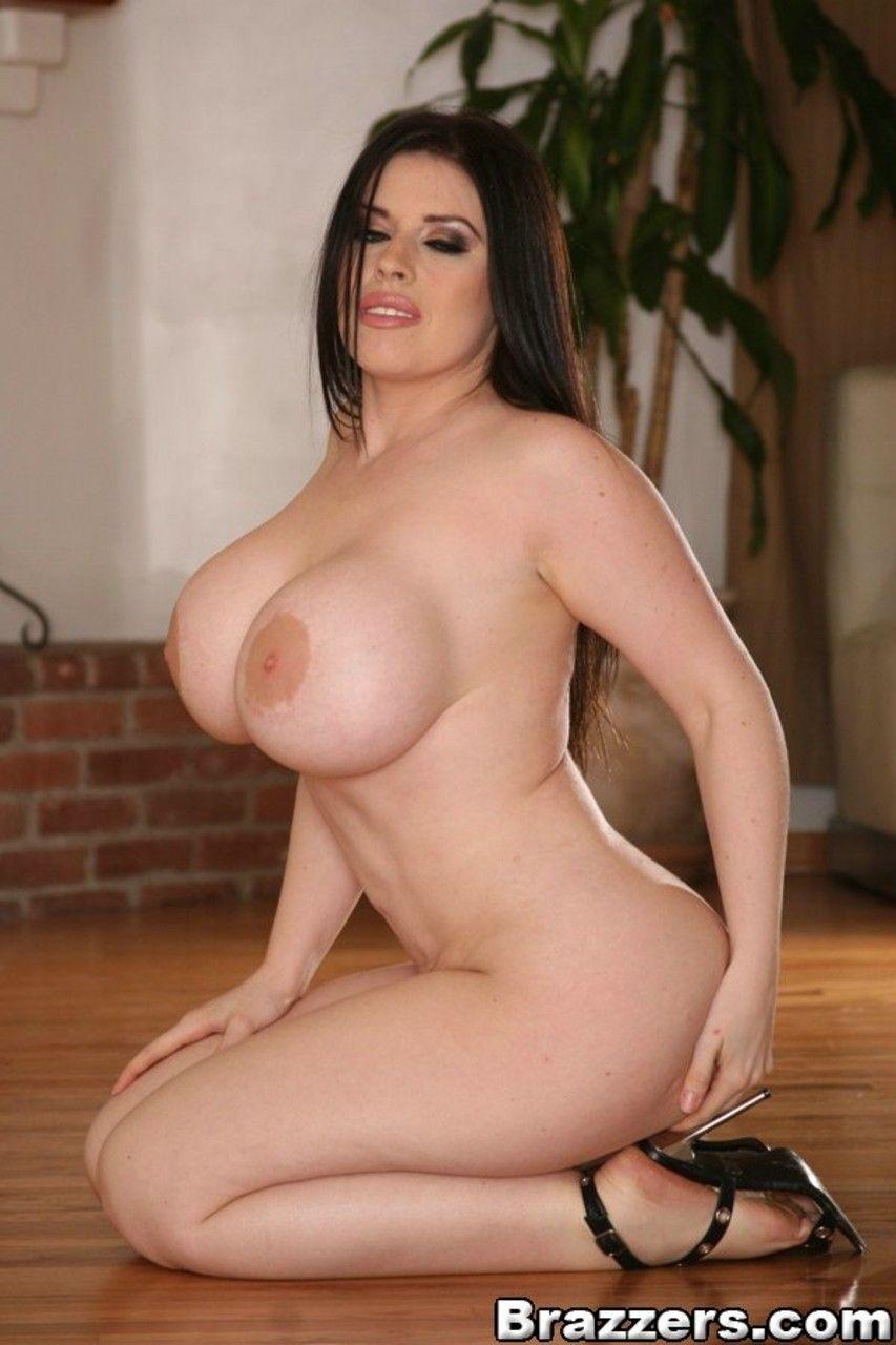 fotos gratis de mulher branca com mega peitoes grandes 19 - Fotos grátis de mulher branca com mega peitões grandes