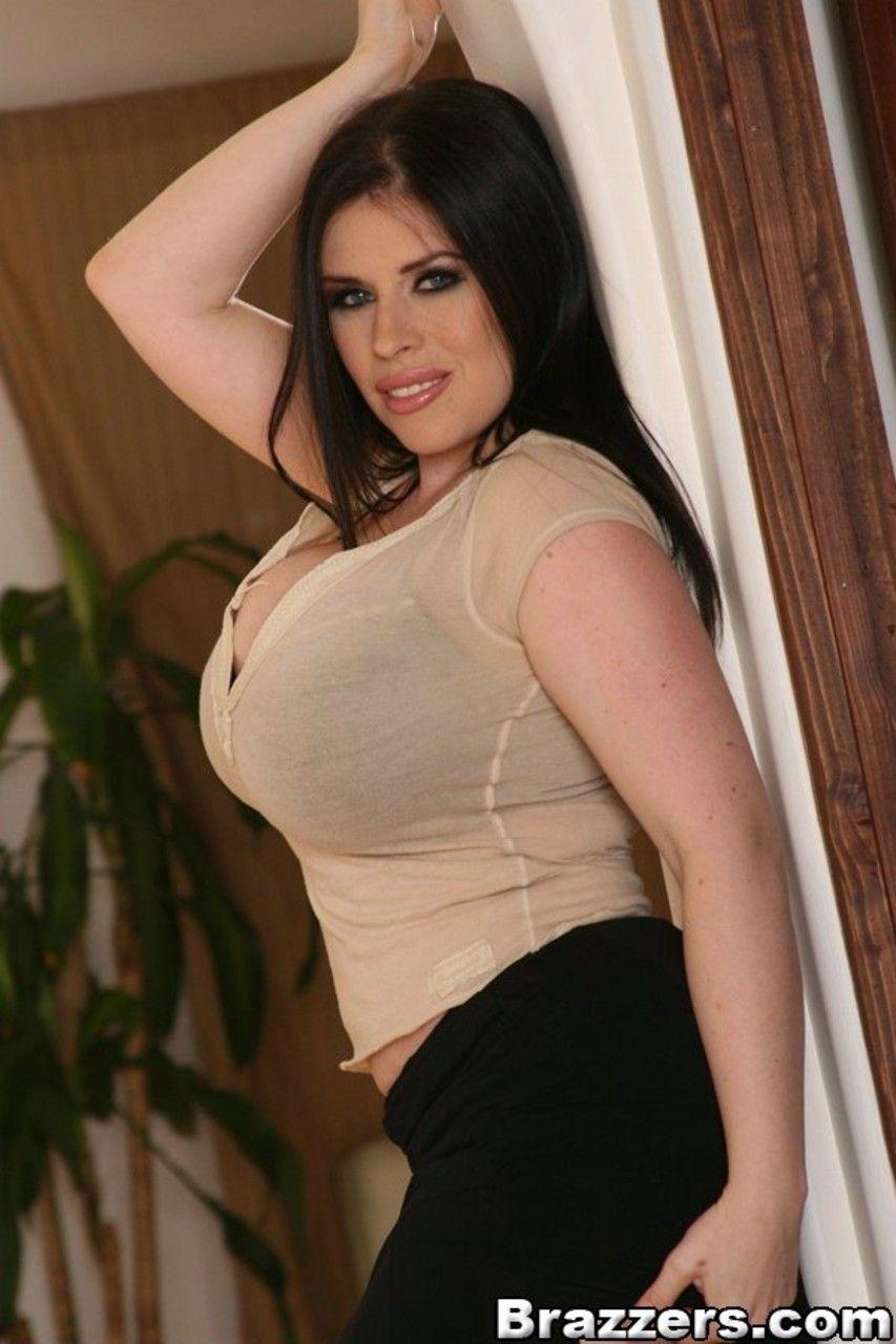 fotos gratis de mulher branca com mega peitoes grandes 2 - Fotos grátis de mulher branca com mega peitões grandes